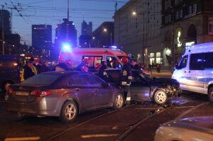 Wypadek w al. Jana Pawła II: czworo rannych, nie jeździły tramwaje