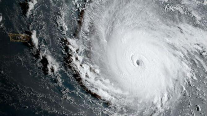 """""""Smutna prognoza dla naszych dzieci"""". Coraz więcej silnych huraganów"""
